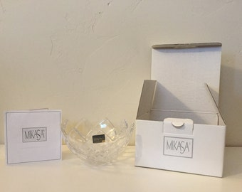 Mikasa Crescendo Crystal Bowl - with original box, sticker and paperwork!