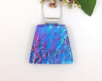 Rippled dichroic glass pendant