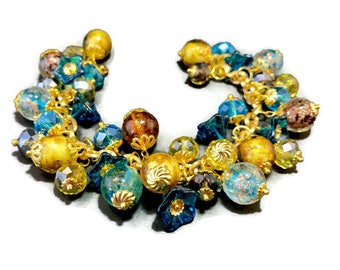 Bracelet made of Murano glass beads, Czech Crystal beads with flowers made of glass - handmade on stainless steel chain. A beautiful gift.