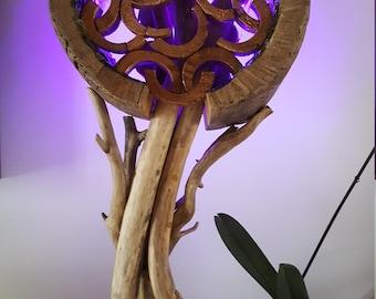 sculpture lumineuse en bois flotté