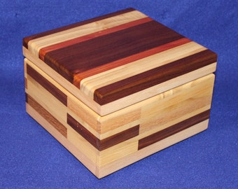 Decorative wooden box (pine, cedar, oak, poplar and walnut)