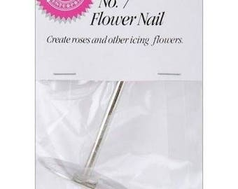 No. 7 Flower Nail by Wilton