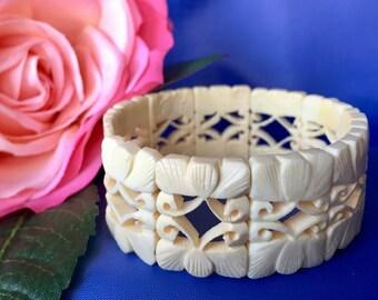 Vintage Carved Celluloid Stretch Bracelet, Carved Celluloid Bracelet, Vintage Celluloid Bracelet, Vintage Stretch Bracelet