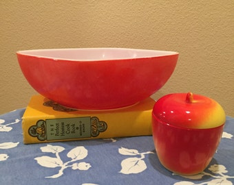 Vintage Red Pyrex Hostess Bowl 525B / 2 1/2 qt. / Ovenware / c.1950