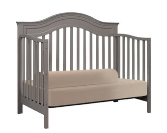 Fitted bed sheet with built-in bed guards/bed bumpers (for TODDLER BED)