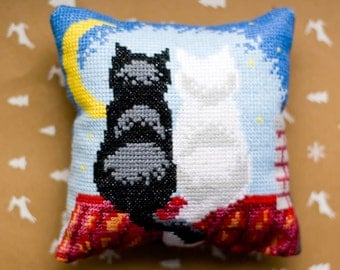 Completed counted cross stitch Primitive decor Rustic Finished embroidery Moon and cat Decorative cushion Little pillow Cat roof Miniature