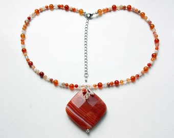 Faceted Sardonyx Pendant Necklace with Carnelian
