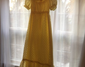 Vintage 1960s yellow eyelet/lace empire waisted flowey dress