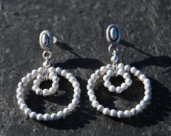 Silver and howlite white earrings
