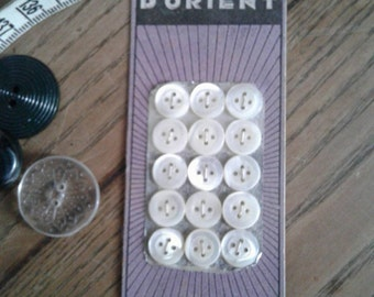 French card of nacre buttons