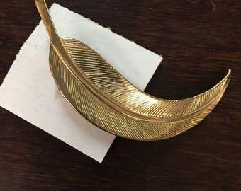 Vintage Gold Leaf Brooch Pin