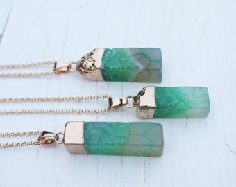 GREENSTONE necklace with green agate