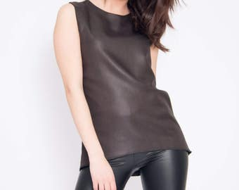 Black top with satin effect