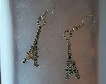 Eifel tower earrings
