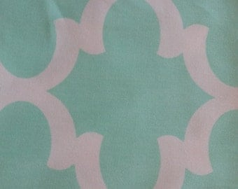 Mint fabric, quatrefoil, mint and twill, Premier Prints, Fynn Mint/Twill, fabric, fabric remnants, home decor, nursery, baby, mint and white