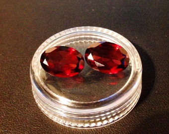 2 x AA Mozambique Garnets --- Oval Gemstones -- 14mm x 10mm x 5mm -- Faceted -- Natural & Untreated -- Jewellery Materials --