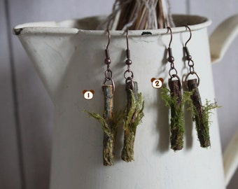 Earrings piece of wood and foam (piece of wood and moss earrings)