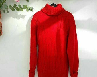 SALE, now 50.00 euro. Vintage hand knitted sweater. Hand knitted sweater. Free shipping in the Netherlands.