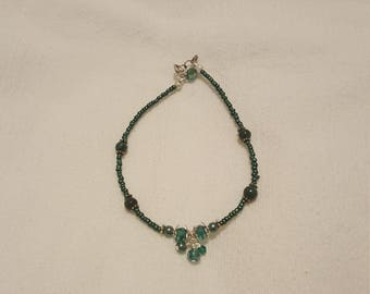 Cute green anklet with dangles