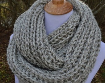 Gray knit scarf, chunky long knit scarf, women's knitted scarves, extra long scrarf, grey look scarf