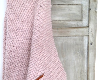 KNITTED BLANKET, Knitted throw, blanket, throw, gebreide deken, deken, sprei, wool, wol, plaid, deken bank, pink, softpink, roze, lichtroze
