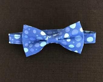 Little Boys Bow Tie, Toddlers Adjustable Bowtie, Blue Polkadot Bowtie, Kids Adjustable Bowtie, Baby Boys Bowtie; Blue Multi-Colored Dots Tie