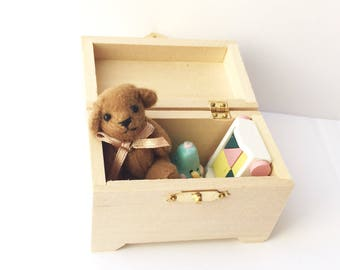 Miniature dollhouse modern toy chest