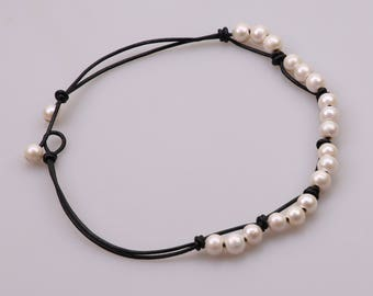 "18"" Women Freshwater Pearl Necklace,Beaded Pendant Necklace,Dangling Charm Jewelry on Genuine Leather Cord,White Pearl Jewelry for Women"