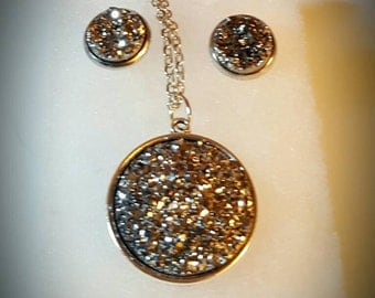 Silver druzy necklace and earrings set