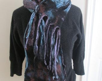 Nuno felt scarf, Wool, Silk, Blue, mauve and black, Fringed, Lightweight, Warm, Reversible