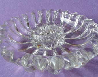 Glass candle holder, flower shape
