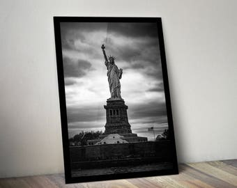 Statue of Liberty photo, black and white, digital download, New York City prints, wall art, NYC, posters, poster, prints, famous landmarks
