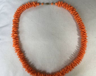 A Vintage 1960's 1970's  Necklace - Summer Perfect
