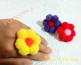 Pompom Flower Ring L