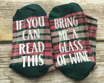 If you can read this bring me a glass of wine in pink, white, and green plaid