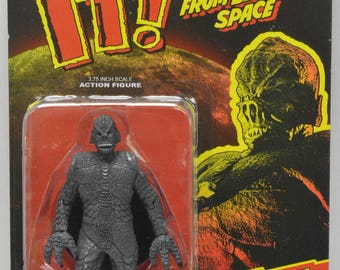 """IT! The Terror From Beyond Space Black and White 3.75"""" Scale Retro Action Figure"""