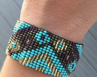 Beaded cuffs (3 different colors)