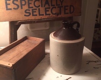 Primitive Crock / Jug -- EXCELLENT Condition