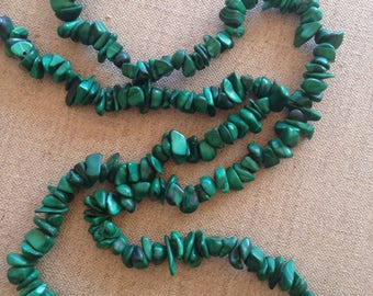 Vintage large malachite chip necklace