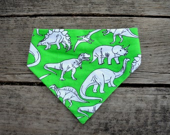 Dinosaur Dog Bandana//Boy Dog Bandana//Green Dog Bandana//Dog Scarf//Dog Accessories//Spring Dog Bandana//Dog Bandana