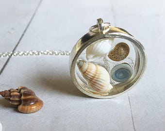 Seashells Necklace, Cute necklace, Resin jewelry, tiny sells necklace, silver necklace, spiral shells, gift for her, top selling item