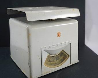 detecto 25 pound scale kitchen countertop scale retro 1950u0027s white metal scale brooklyn - Detecto Scales