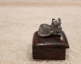 Vintage Metzke Pewter cat square wooden box