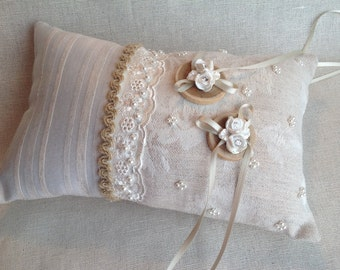 Rustic style cushion in linen/cushion beige/door-alliances country wedding