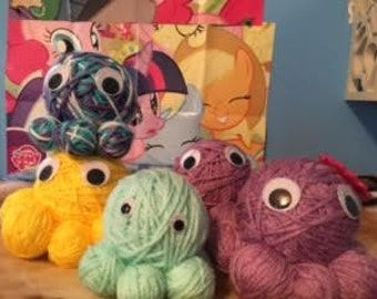 Yarn ball octopus