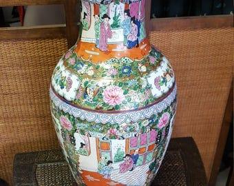 Vintage Chinese Porcelain Lamp
