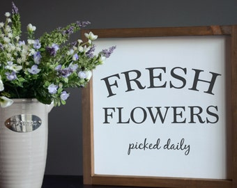 "Spring Decor, Wood wall art | ""Fresh Flowers"" | 13"" x 13"""