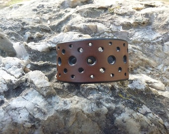 Vegetable tanning Brown perforated leather bracelet