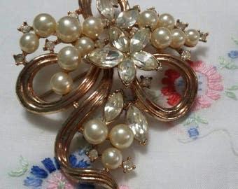 Elegant Crown Trifari Pearl and Rhinestone Ribbon Brooch!
