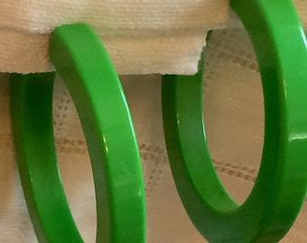GrassGreen Vintage Plastic Hoop Clipons